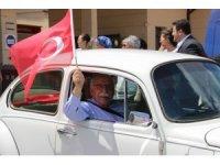 Eskişehir'de kasik araçlarla 'Demokrasi Konvoyu'