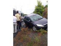 Kaygan zemin kaza getirdi: 2 yaralı