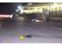 Otomobil, yolun ortasında yatan şahsı ezip geçti: 1 ölü