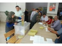 Tokat'ta sabahın ilk saatlerinde seçim yoğunluğu