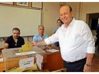 Başkan Özakcan oyunu kullandı