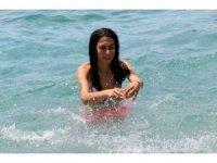 Antalya'da oyunu kullanan denize koştu