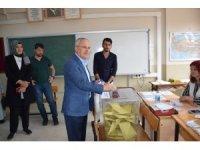 Mehmet Ceylan ve milletvekili adayları oylarını kullandı