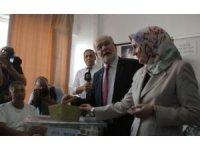 Saadet Partisi Genel Başkanı Karamollaoğlu oyunu Çankaya'da kullandı