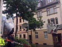 Almanya'daki patlamanın enkazı hava aydınlanınca ortaya çıktı