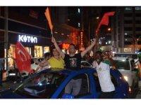 Trabzon AK Parti'de kutlamalar başladı