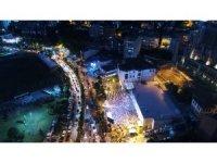 AK Parti İstanbul İl Başkanlığı önündeki kalabalık havadan görüntülendi