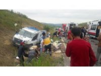 Bursa'da tarım işçilerini taşıyan kamyonet kaza yaptı...2 ölü 41 yaralı