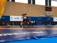 Akdeniz Oyunları'nda serbest güreşçilerden 3 yarı final