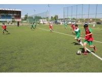 Sivas Belediyespor futbol yaz okulu başladı