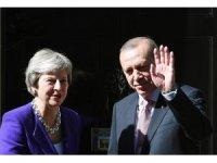 İngiltere Başbakanı May, Cumhurbaşkanı Erdoğan'ı tebrik etti