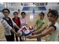 Bingöl'de öğrenciler hem eğleniyor, hem öğreniyor