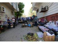 Sattıkları ürünlerinin kaldırılması istenince, sokağa döktüler