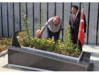 15 Temmuz'da şehit olan Erdoğan'ın yakın koruması kabri başında anıldı