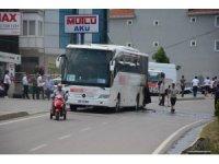 Sinop'ta tur otobüsü seyir halindeyken alev aldı