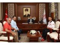 Kick Box Milli Takımlar Başantrenörü Daştan Vali Pehlivan'ı ziyaret etti
