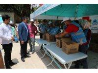 Eyyübiye Belediyesi vatandaşlara çeşitli ikramlarda bulundu