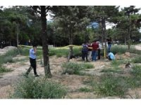 Eski Devlet Hastanesi bahçesinde erkek cesedi bulundu