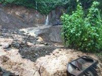 Rize'de aşırı yağış sele neden oldu