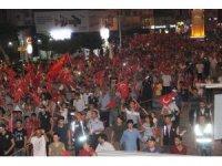 İskenderun'da milli birlik yürüyüşüne binlerce vatandaş katıldı