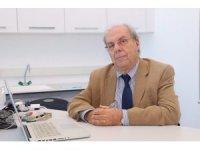 """Prof. Dr. İşir: """"Eczacıya, her gün yeni bir 'yükseltme' gereklidir"""""""