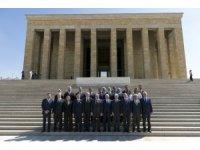 TBMM Başkanı Yıldırım Anıtkabir'i ziyaret etti