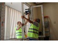Engelli vatandaşların evlerini engelsiz hale getiriliyor