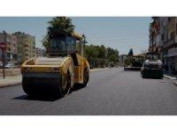 Söke'de sıcak asfalt çalışmaları devam ediyor