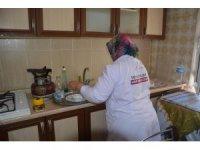 Şehzadeler'in evde bakım hizmetleri yüz güldürüyor