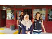Meslekten ihraç edilen hemşire FETÖ'den tutuklandı