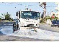 Tarsus'ta yollar deterjanlı suyla yıkanıyor
