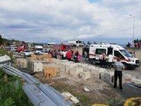Trabzon'da kamyondan kayan direk halk otobüsünün içine girdi: 2 ölü, 8 yaralı