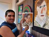 İzmir'in Picasso'su otizmli Mahsun