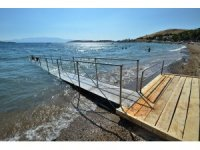 Foça'daki rampalar yüzme engellini kaldırdı