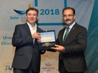 Uşak Belediyesi ülke genelinde yılın en sosyal projesi dalında birinci oldu