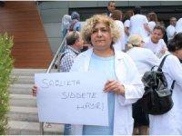 """Sağlık çalışanlarından """"Sağlıkta şiddet sona ersin"""" açıklaması"""
