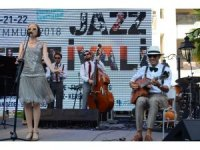 İzmir'de caz festivali coşkusu