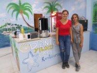 Ressam Helvacı kafelerin duvarlarını süslemeye devam ediyor