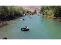 Lastikli rafting yarışması