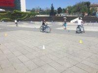 Zeytinburnu'nda bisiklet sürmeyi bilmeyen kalmayacak