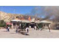 Akaryakıt istasyonunda korkutan yangın