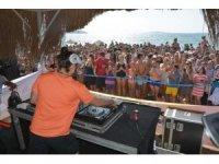 Ünlü DJ Doğukan Manço hayranlarıyla buluştu