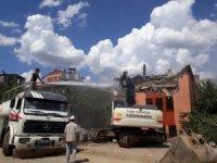 Bingöl'de 170 metruk yapı yıkıldı