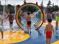 Ordu'da çocuklar su oyun parkında serinliyor