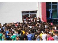 355 kişilik kontenjana 2 bin 882 kişi başvurdu, izdiham oluştu