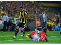 UEFA Şampiyonlar Ligi 3. Ön Eleme: Fenerbahçe: 1 - Benfica: 1 (İlk yarı)