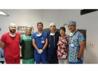 Robotik cerrahiyle idrar kanallarından mesane büyütülmesi ameliyatı yapıldı