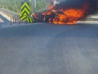 Bariyere çarpan lüks otomobil alev alev yandı