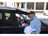 Çocuklar ailenin trafik polisi oldu
