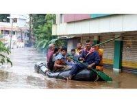 Hindistan'da sel felaketinde ölenlerin sayısı 164'e yükseldi